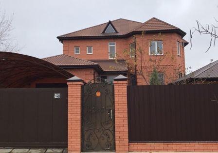 Продаётся 2-этажный дом, 377 м²