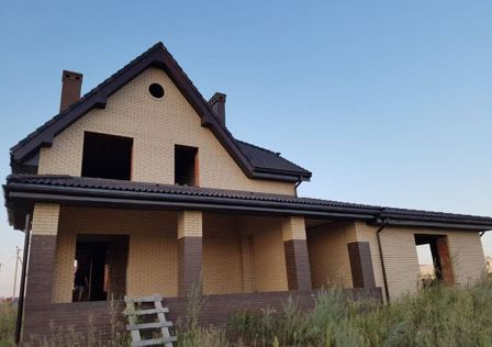 Продаётся 3-этажный дом, 250 м²