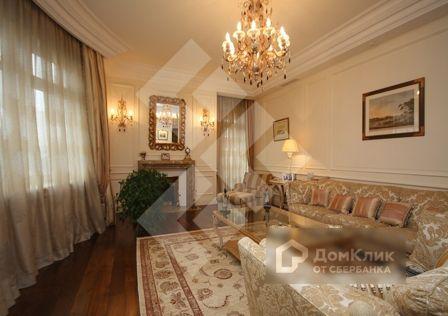 Продаётся 3-комнатная квартира, 182 м²