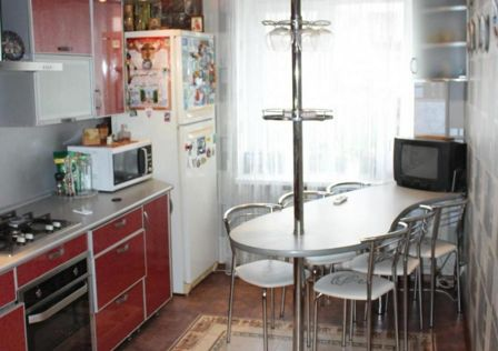 Продаётся 3-комнатная квартира, 109.9 м²