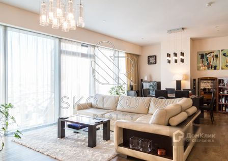 Продаётся 2-комнатная квартира, 108 м²