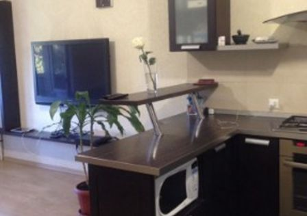 Продаётся 2-комнатная квартира, 79.1 м²