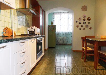 Продаётся 3-комнатная квартира, 114 м²