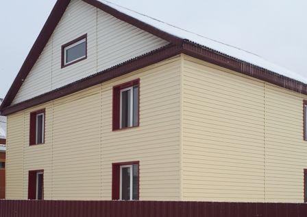 Продаётся 2-этажный дом, 242 м²