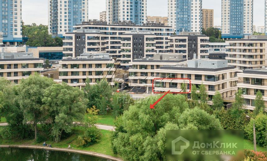 Продаётся 4-комнатная квартира, 226.7 м²