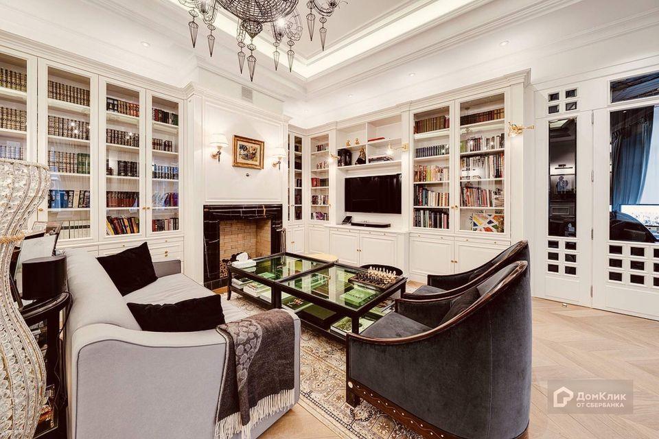 Продаётся 7-комнатная квартира, 220 м²