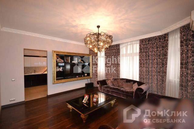 Продаётся 3-комнатная квартира, 152 м²