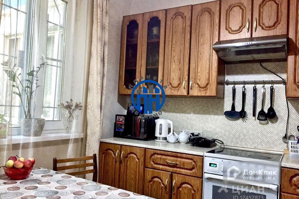 Продаётся 3-комнатная квартира, 72.2 м²