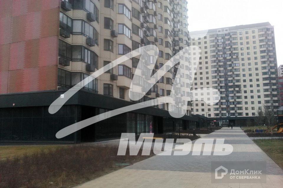 Продаётся 2-комнатная квартира, 70.1 м²