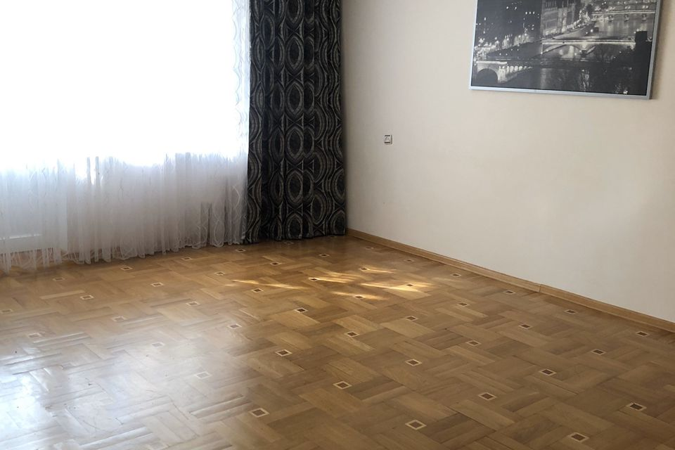 Продаётся 3-комнатная квартира, 68.3 м²